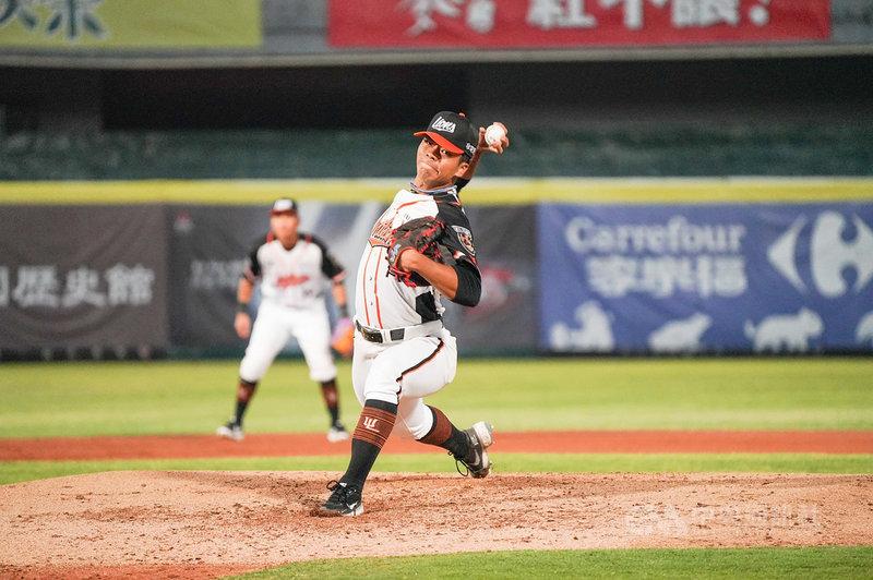 中華職棒6日在台南棒球場進行官辦熱身賽,統一獅隊先發投手姚杰宏主投5局,僅被敲出1支安打無失分,終場獅隊以4比1擊敗中信兄弟隊。(統一獅隊提供)中央社記者楊啟芳傳真  110年3月6日