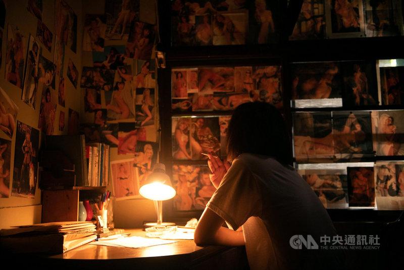 已故作家七等生為主題的紀錄片「削瘦的靈魂」中,導演朱賢哲訪談多名七等生的親友,片中也將七等生女兒控訴父親外遇的片段公開。(目宿媒體提供)中央社 110年3月7日