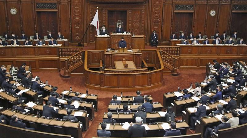 根據國際調查,女性在世界各國議會占比以25.5%創新高之際,日本女性議員占比卻不到一成。圖為日本國會開會。(共同社)