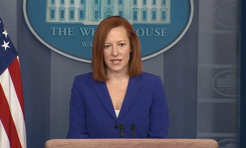 白宮發言人莎琪(圖)17日表示,美國前總統川普有關COVID-19的言論,讓亞裔美國人遭受攻擊的情況增加。(圖取自facebook.com/WhiteHouse)