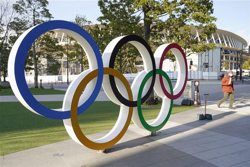 日本東京奧運及帕運5方會談20日舉行,決定不接受海外觀眾入境觀賽。圖為東奧主場館。(共同社)
