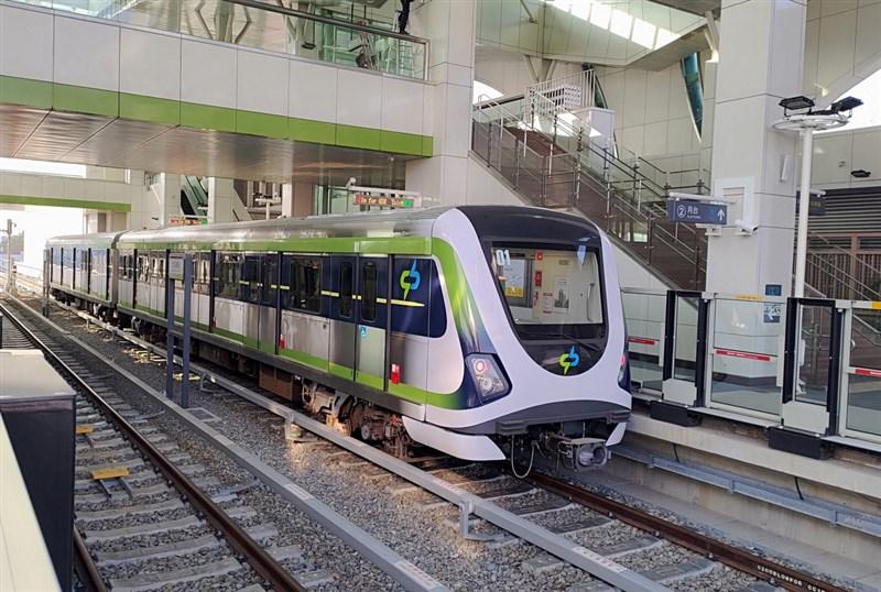 歷經109天暫停試營運,台中市長盧秀燕10日宣布從25日起恢復試營運1個月,試營運期間將比照正式營運時刻表發車。(中捷提供)