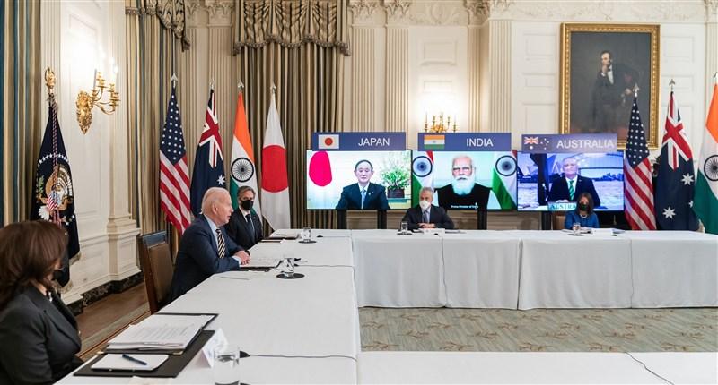 美國、日本、印度與澳洲「四方安全對話」領袖視訊峰會12日首度舉行。(圖取自facebook.com/POTUS)