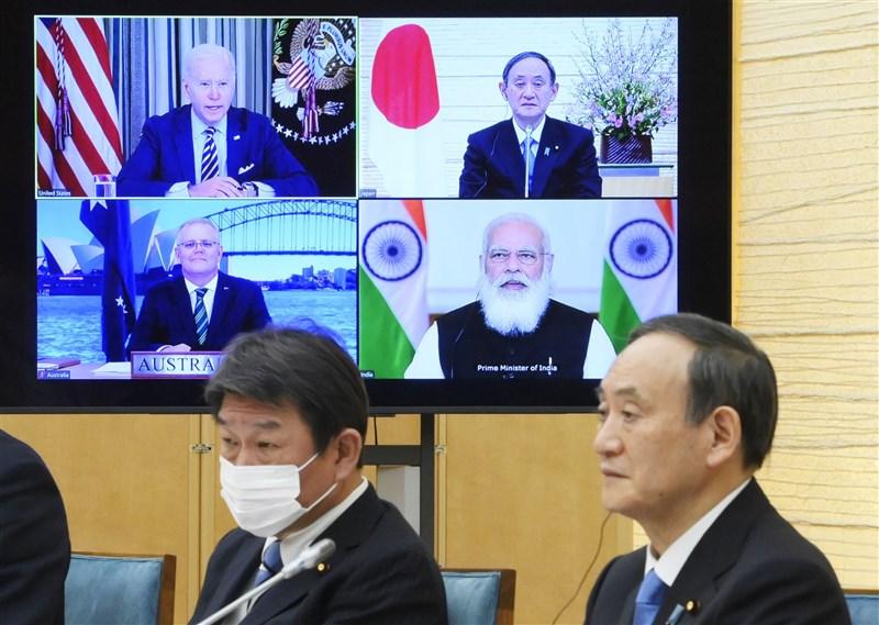 美國總統拜登、印度總理莫迪、日本首相菅義偉、澳洲總理莫里森12日晚透過視訊出席四方安全對話(Quad)首次領袖峰會。(共同社)