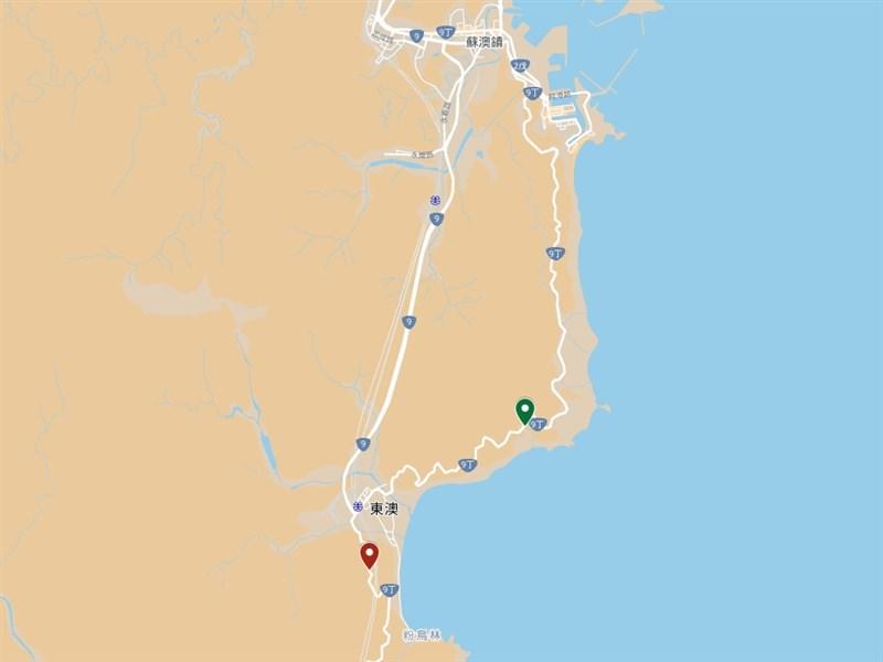 台9線114.7公里處(紅點處)16日發生一輛遊覽車撞山壁重大意外,與10年多前陸客遊覽車墜海處(綠點處)差了6到7公里。(圖取自Google地圖網頁google.com/maps)