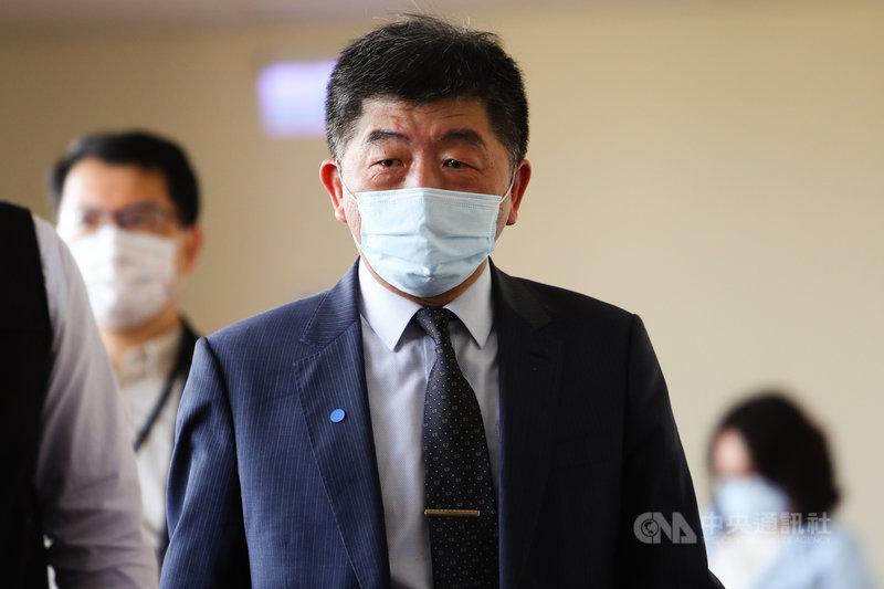 立法院社會福利及衛生環境委員會17日邀請衛生福利部長陳時中(前),針對COVID-19疫苗整備情況進行報告並備詢。中央社記者王騰毅攝  110年3月17日