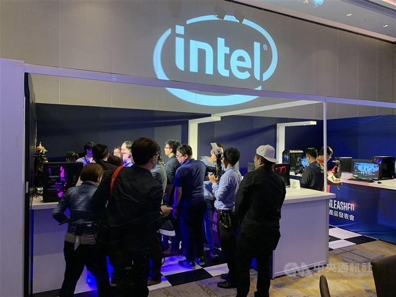 美國晶片業龍頭英特爾(Intel)23日表示,將投資約新台幣5700億元在亞利桑那州興建2座新工廠,作為提高在美歐生產計畫的一環,直接挑戰台積電和三星電子。(中央社檔案照片)