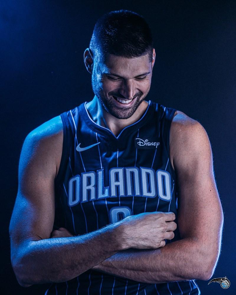 ESPN報導,奧蘭多魔術隊將明星中鋒佛契維奇(圖)交易至芝加哥公牛隊。(圖取自twitter.com/OrlandoMagic)