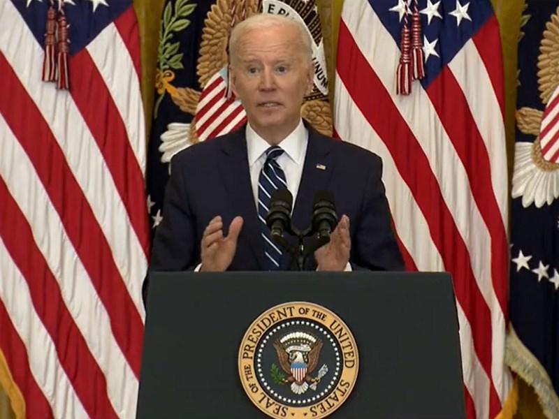 美國總統拜登25日舉行上任以來首場國內外記者會,他承諾在創新和基礎建設上投入比中國更多資金,並表明在他治下不會讓中國超越美國成為全球最強大的國家。(圖取自facebook.com/WhiteHouse)