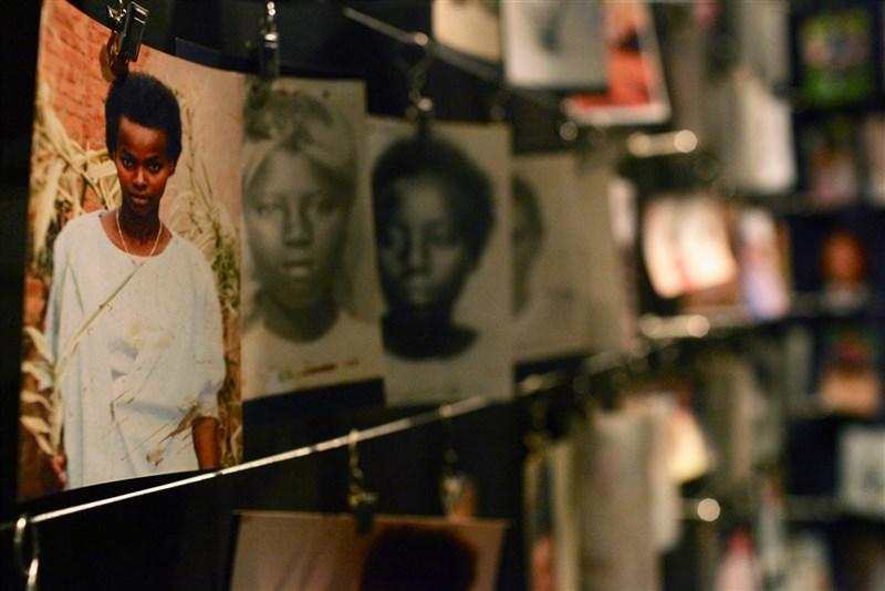 非洲中部的盧安達1994年發生種族滅絕大屠殺,根據27日公布的報告,法國當年與發動大屠殺的胡圖族政府走得很近,需負起龐大責任。(圖取自基加利大屠殺紀念館網頁kgm.rw)