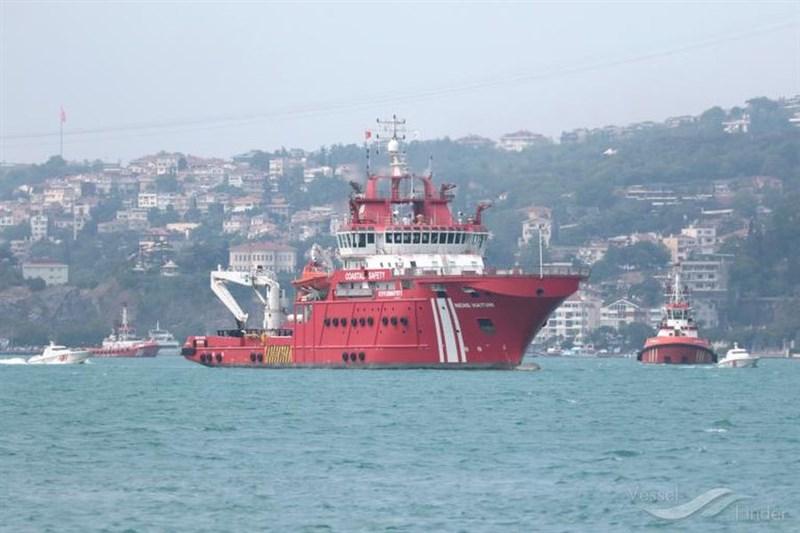 土耳其向埃及提議派遣海難救援船哈頓祖母號(圖)協助在蘇伊士運河擱淺的台灣長榮海運長賜輪脫淺。(圖取自VesselFinder網頁vesselfinder.com)