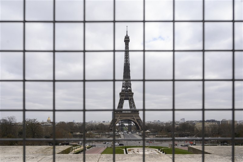 面對2019冠狀病毒疾病第三波疫情居高不下,法國總統馬克宏3月31日晚間宣布,法國全國將進入封城,並持續4週。(安納杜魯新聞社)