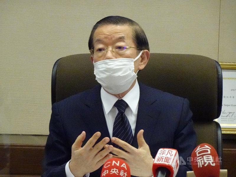 駐日代表謝長廷6日對駐日台灣媒體表示,最近「台灣有事」(有緊急狀況)成為比較大的新聞,5日他首度應日本執政黨自民黨之邀,到自民黨總部針對台灣政策議題交換意見。中央社記者楊明珠東京攝 110年4月6日