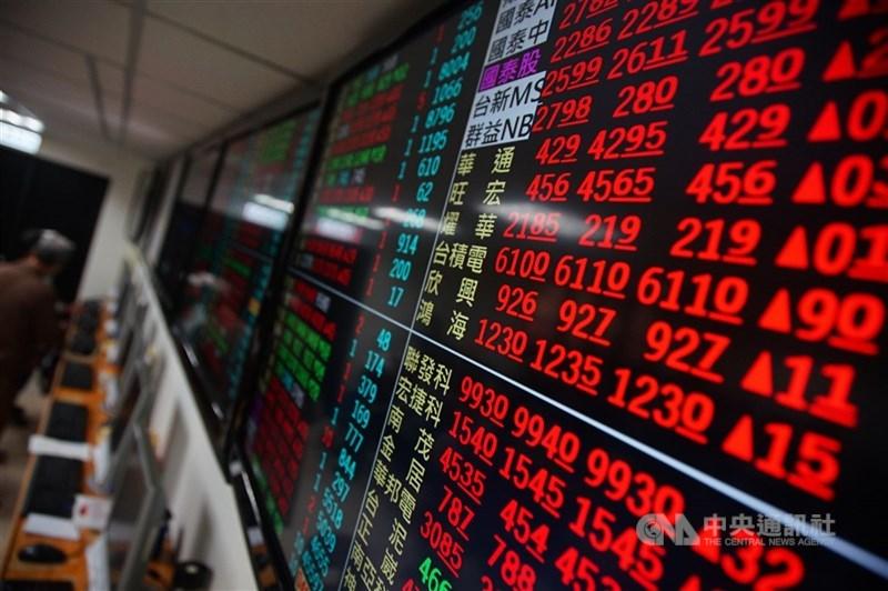 台灣指數公司宣布,新編「台灣全市場半導體精選30指數」自13日起,委請台灣證券交易所每5秒計算及傳輸發布一次盤中即時指數。(中央社檔案照片)