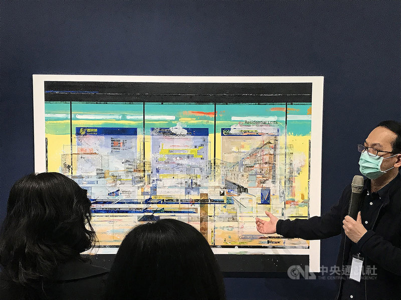 「Finders Keepers:陳建榮個展」即日起在台北市立美術館展出,展出作品包含許多看似精準丈量的設計圖,卻又充滿各種日常熟悉的符號及標誌,反覆疊加後,形成一幅又一幅科技感十足的現代浮世繪。中央社記者邱祖胤攝 110年4月8日