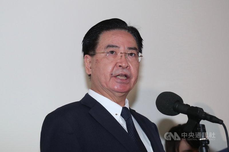 共軍近日動作頻頻,外交部長吳釗燮8日表示,台海局勢已緊張一段時間,台灣必須持續觀察敵情威脅,更重要的是國人一定要有保衛自己國家的決心。中央社記者吳家昇攝  110年4月8日