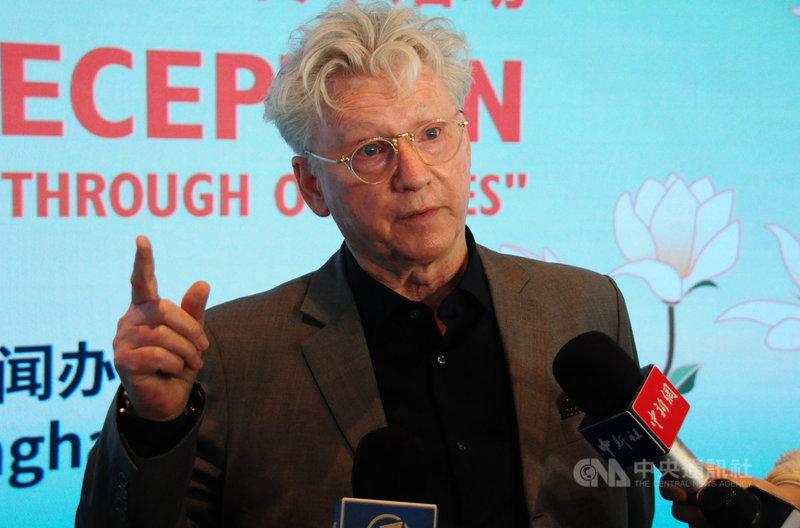上海官方邀百名外籍人士拍攝中共建黨百年宣傳片,8日首集推出曾獲奧斯卡獎的導演柯文思(Malcolm Clar ke)。去年武漢因疫情封城後,他曾獲准入城拍攝紀錄片。中央社記者沈朋達上海攝  110年4月9日