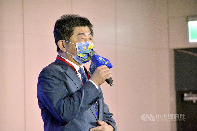 衛福部長陳時中10日出席「2021亞太社創高峰會」後表示,最快下星期宣布2019冠狀病毒疾病(COVID-19,武漢肺炎)AZ疫苗開放自費施打時程。中央社記者黃旭昇新北攝 110年4月10日