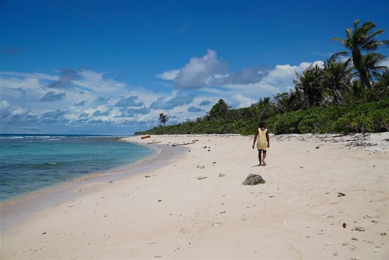 指揮中心11日表示,日前返台的帛琉旅遊泡泡首發團100名旅客中,目前已有83人完成採檢,檢驗結果皆是陰性。(圖取自facebook.com/officialpva)