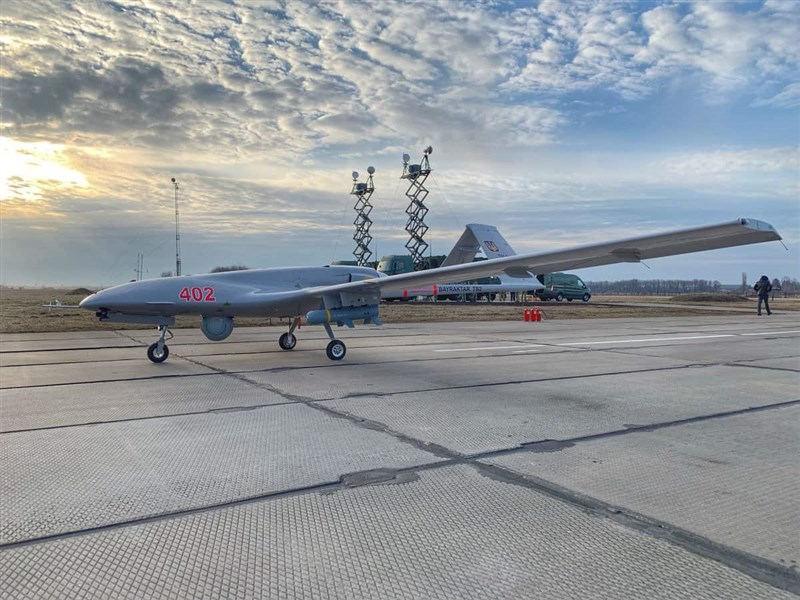 烏克蘭2018年對土採購拜拉克塔無人機(Bayraktar TB2,圖),可能因應本次烏東情勢在戰場上測試。(圖取自烏克蘭國防部網頁mil.gov.ua)