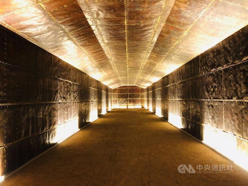 澎湖最具軍事建築價值的「西嶼彈藥本庫」(俗稱銅牆鐵壁)在澎湖縣政府文化局歷時近10年的修復,13日對外開放參觀。中央社  110年4月13日
