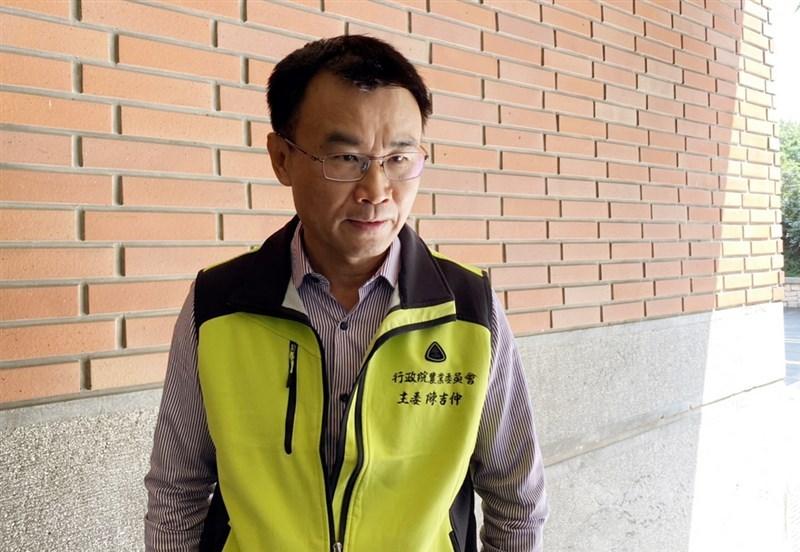 日本政府決定在2年後將福島第一核電廠廢水稀釋後排入海中。農委會主委陳吉仲(圖)13日受訪表示,若沒有符合規範,也不應該排放到海洋,因為影響的不只是台灣;農委會根據洋流路徑判斷秋刀魚場首當其衝,若有疑慮,日本先受害。中央社記者楊淑閔攝 110年4月13日