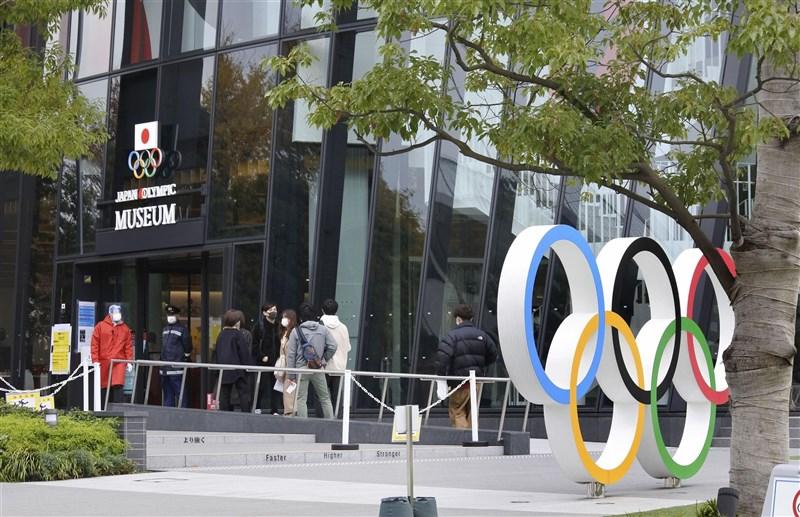 距離東京奧運預定開幕日僅剩100多天,日本共同社公布民調顯示,超過70%的日本民眾希望東奧取消或再度延期。(共同社)