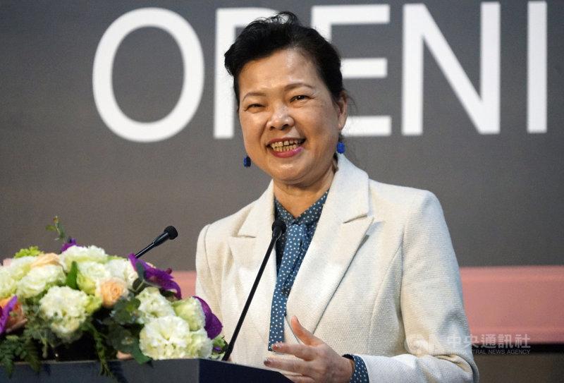 經濟部長王美花14日表示,在電動車時代,電子電機都是台灣強項,因此未來電動車要進行很多產業合作。為了電動車發展,經濟部從去年到今年做很多交流和座談,形成好的供應鏈和生態系;政府也會盤點合作模式和產業如何升級。中央社實習記者周怡楨攝 110年4月14日