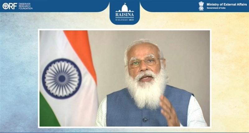 印度總理莫迪13日晚透過預錄影片,在線上舉辦的第6屆瑞辛納對話中發表開幕演說,強調疫情時代國際合作的重要性。(截自瑞辛納對話直播)中央社記者康世人新德里傳真 110年4月14日