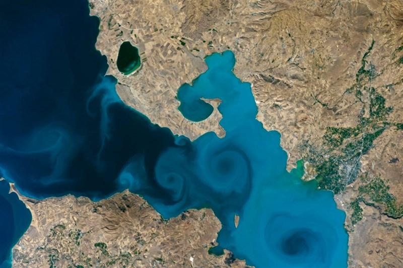 太空人從國際太空站拍攝土耳其東部萬恩湖,照片在美國國家航空暨太空總署「2021地球錦標賽」線上投票中拔得頭籌。(圖取自facebook.com/nasaearth)