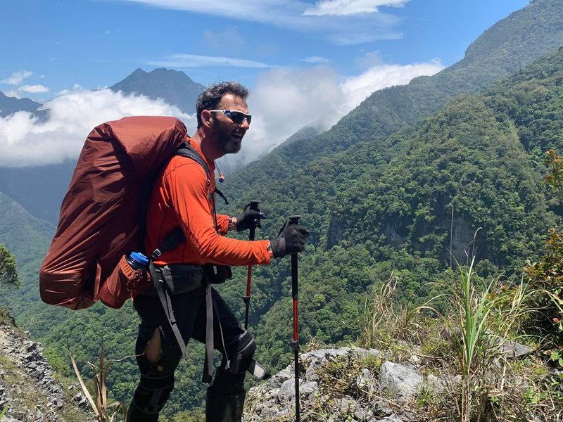 來自愛爾蘭都柏林、現居高雄的羅許完成登台灣百岳壯舉,是第一位完成這項挑戰的愛爾蘭人。(駐愛爾蘭代表處提供)中央社記者戴雅真倫敦傳真 110年4月15日