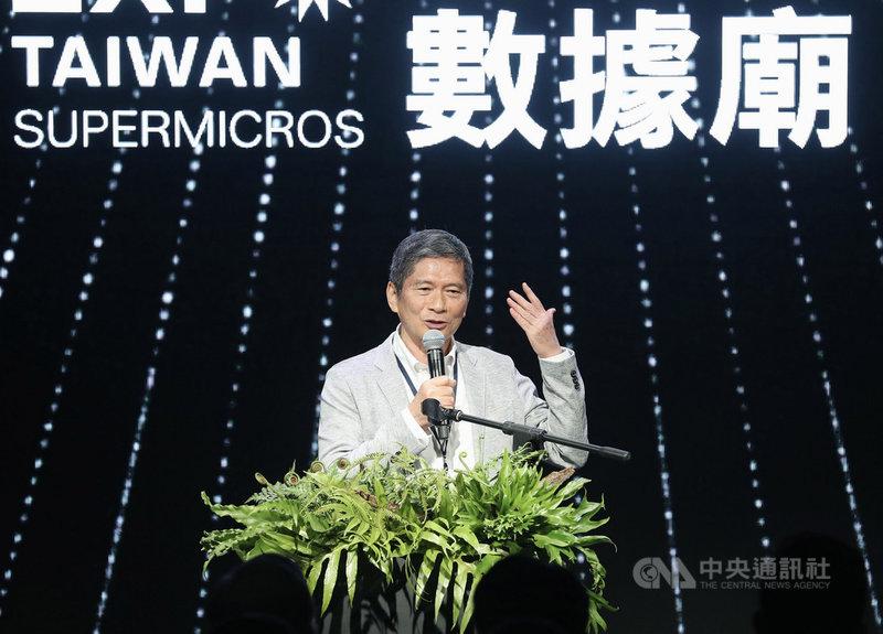 2021年台灣文博會開幕,文化部長李永得16日在台北出席開幕典禮表示,文博會產值在2019年已高達新台幣6.5億,期許今年可突破10億。中央社記者張皓安攝 110年4月16日