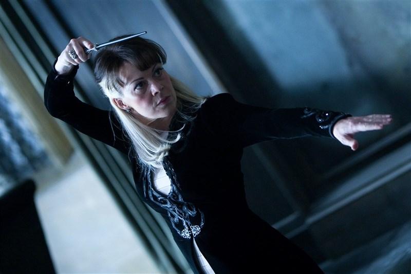 英國電影、電視和舞台劇女演員海倫麥克羅利(Helen McCrory)因癌症病逝,享年52歲。(圖取自facebook.com/wizardingworld)