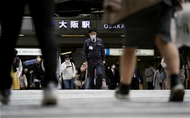 日本大阪府18日新增1220例確診病例,再創疫情爆發以來當地新高紀錄。(共同社)