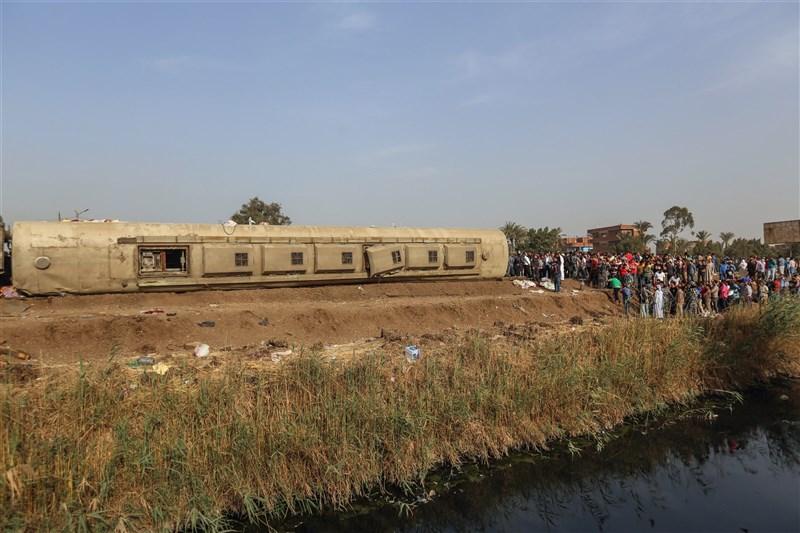 埃及衛生部發布聲明指出,首都開羅以北的蓋盧比尤省18日發生列車脫軌事故。(安納杜魯新聞社)