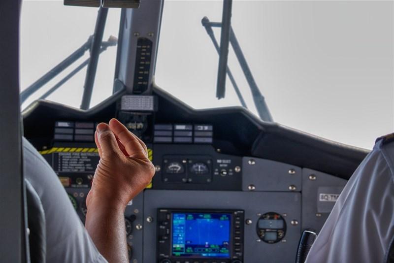 國內20日新增2名國籍航空貨機機師確診武漢肺炎,仍在釐清感染源。(示意圖/圖取自Pixabay圖庫)