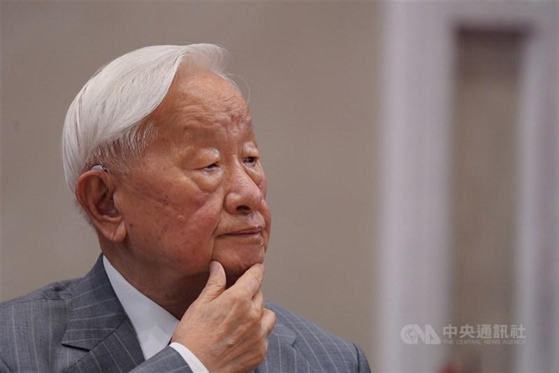 台積電創辦人張忠謀21日表示,難以找一個台灣潛在優勢,又對全世界重要的行業、創新產品或商業模式、多年經營及努力的下一個「護國神山」。(中央社檔案照片)