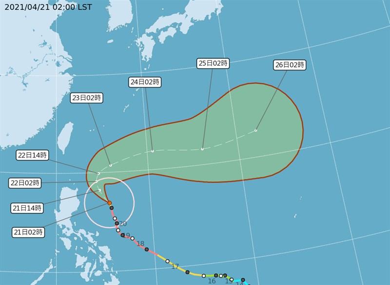 據氣象局網站,舒力基已降為中颱,預估22日轉向東北。氣象專家吳德榮指出,未來4天要注意長浪。(圖取自氣象局網頁cwb.gov.tw)