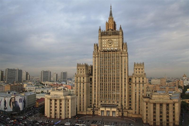 俄羅斯外交部21日發表聲明,已向美國大使館遞交照會,列美國駐莫斯科大使館10名職員為不受歡迎人物。圖為俄外交部大樓。(圖取自維基共享資源;作者:Frank Baulo,CC BY-SA 3.0)
