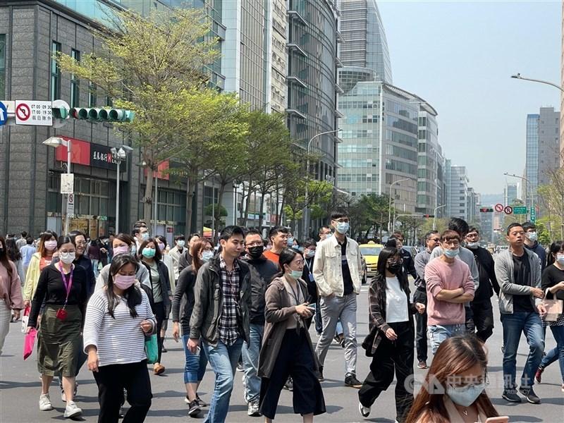 義大利智庫近日刊登台灣學者專文,介紹台灣如何透過數位工具對抗武漢肺炎。圖為3月台北街頭一景。(中央社檔案照片)
