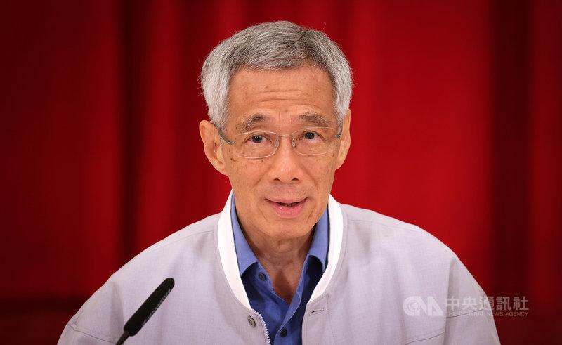 新加坡總理李顯龍23日透過視訊記者會宣布內閣改組名單,共7個部會首長異動。(新加坡通訊及新聞部提供)中央社記者侯姿瑩新加坡傳真 110年4月23日