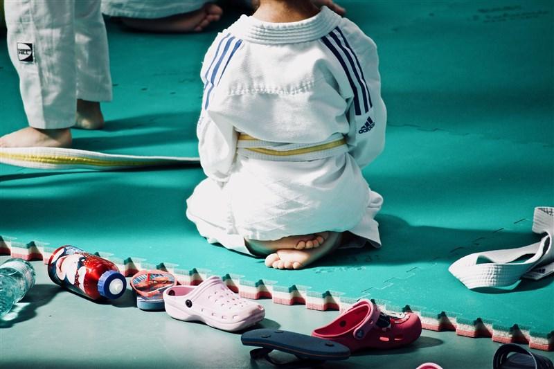 台中市豐原區南陽國小一年級男童在校外上柔道課時,疑遭教練及學長重摔致重創送醫仍宣告腦死。(示意圖/圖取自Pixabay圖庫)