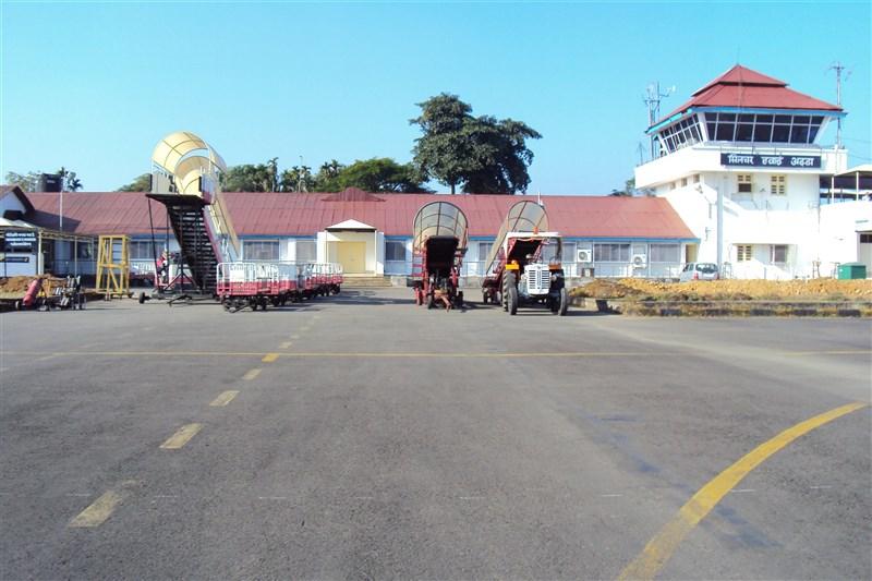 300名乘客21日搭機抵達印度阿薩姆省西爾查機場(圖)後,未遵守阿薩姆省強制旅客接受即時檢測規定,逃走未受檢。(圖取自維基共享資源;作者:Dipalay Dey,CC BY-SA 3.0)