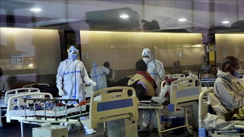 武漢肺炎疫情流行,印度新增確診及不治病例雙創新高,首都新德里延長封鎖一週。圖為新德里一間醫院的2019冠狀病毒疾病中心。(安納杜魯新聞社)