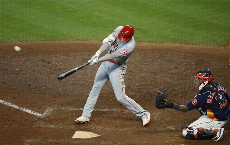 旅美日本球員大谷翔平25日敲出陽春砲,這是他本季第7支全壘打,登上本季全壘打王。(共同社)