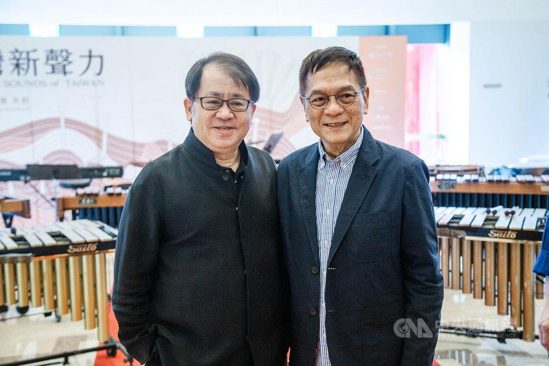 爵士鼓演奏家黃瑞豐(右)與打擊樂家朱宗慶(左)將在「百人木琴」音樂會上攜手演出,將透過台灣民眾熟悉的流行歌曲,回顧一起走過的美好時光。(朱宗慶打擊樂團提供)中央社記者趙靜瑜傳真 110年4月27日