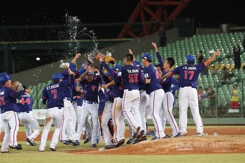 亞洲棒球錦標賽,預計今年12月在台灣舉行。圖為2019年亞洲棒球錦標賽冠軍戰中華隊力克日本隊,睽違18年奪冠。(中央社檔案照片)