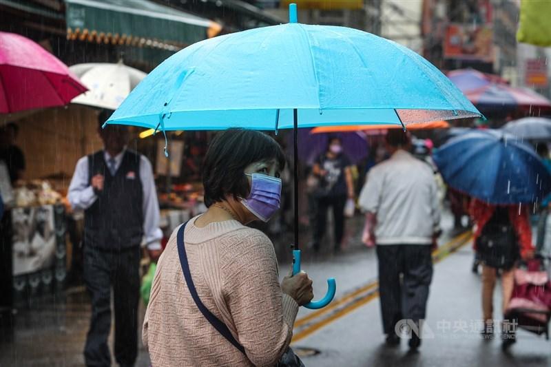 中央氣象局29日表示,這波鋒面帶來雨量北部最為顯著,其次彰化、南投、雲林也有降雨。(中央社檔案照片)