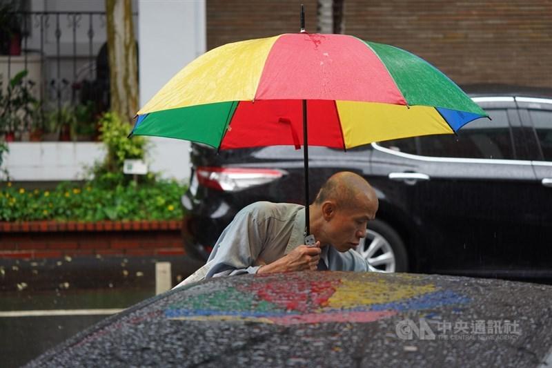 中央氣象局表示,5日鋒面報到,雖然會為北部、東半部及中南部山區帶來零星雨勢,但研判對水情幫助有限。(中央社檔案照片)