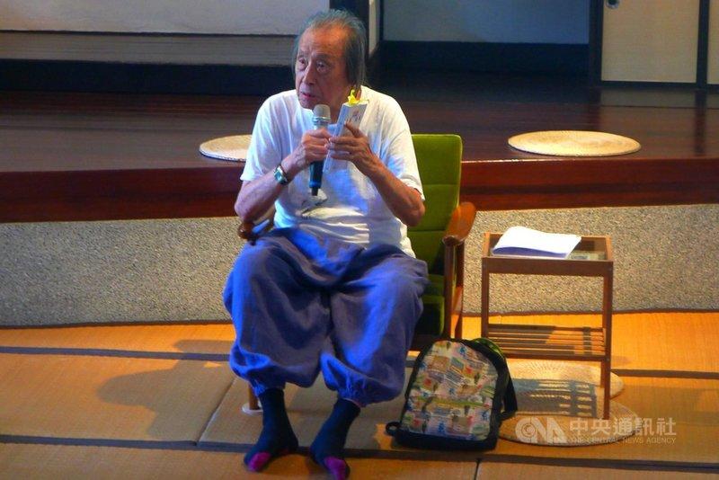 詩人管管(圖)5月1日過世,享耆壽92歲。文化部長李永得表達深切的哀思與敬意。圖為管管2019年出席國立台灣文學館「詩的復興」活動。(國立台灣文學館提供)中央社記者趙靜瑜傳真 110年5月2日